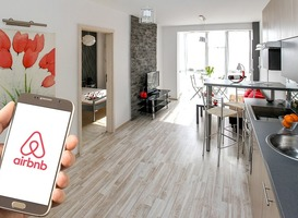 Normal_airbnb__appartement__telefoon__hand